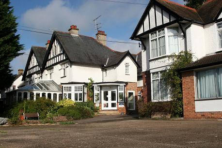 Clifton Lodge Hotel High Wycombe Bucks Free Listing